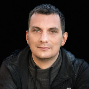 Александр Варзарь